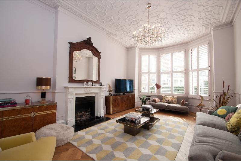 An incredible five-bed home set over 5,000 sq ft. - Image 1 - London - rentals