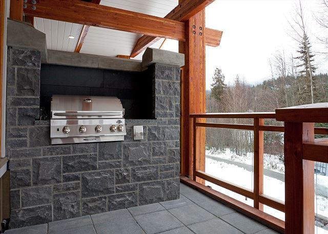 Built in BBQ and Deck Area with Mountain Views - Whistler Platinum | Fitzsimmons Walk 13 - Luxurious 5 Star, 4 Bed Townhome - Whistler - rentals