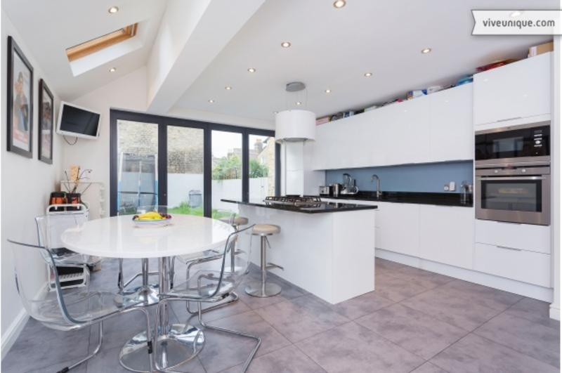 Kitchen - A beautiful three-bedroom house nearby Clapham South tube station. - London - rentals