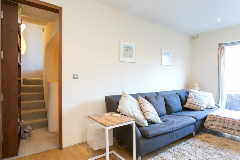 A quirky two-bedroom property in Highgate. - Image 1 - London - rentals