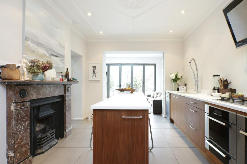 Five-bed family home, Rocks Lane, Barnes - Image 1 - London - rentals