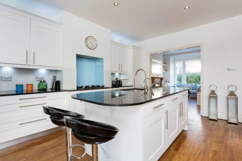 A gorgeous three-bed family home in Southfields. - Image 1 - London - rentals