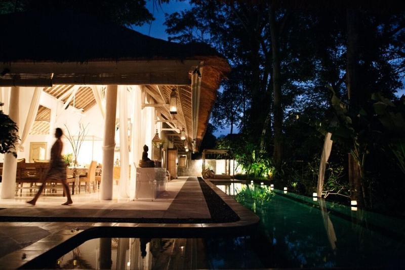 Sungai's 'great' room poolside - VILLA SUNGAI five star luxury private villa Bali - Canggu - rentals