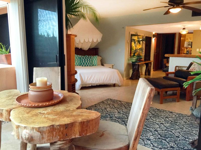 Charming Studio on Beach/Marina, Clean & Uplifting - Image 1 - Puerto Aventuras - rentals