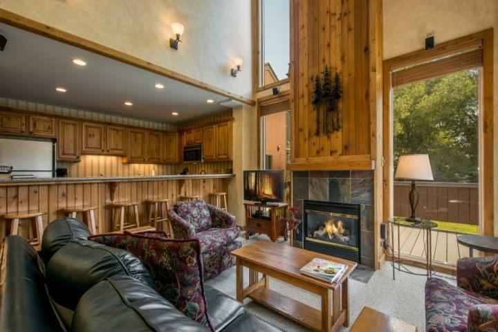 Our comfortable and inviting condo at the base of Park City has a spacious and open floor plan, renovated kitchen, large family room and Clubhouse. - Three Kings 3 Bedroom Park City #11 - Park City - rentals