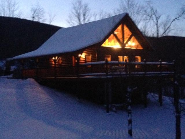 Post and Beam Log Home - New Log Home near Sugarbush/Mad River Ski Resorts - Starksboro - rentals
