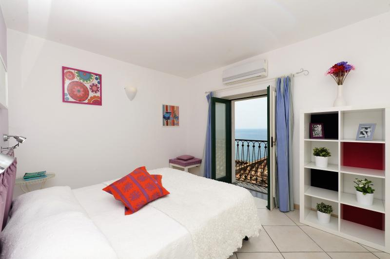 bedroom - Ciliegia-Sea view/few steps from the sea - Minori - rentals
