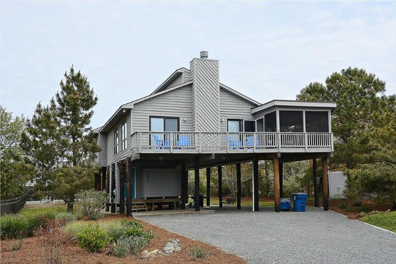 Fully equipped 4 bed, 2 bath home - 1 block to the beach - Image 1 - Cedar Neck - rentals