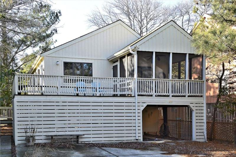 Very clean 3 bedroom home - Only 2 block to the beach! - Image 1 - Bethany Beach - rentals