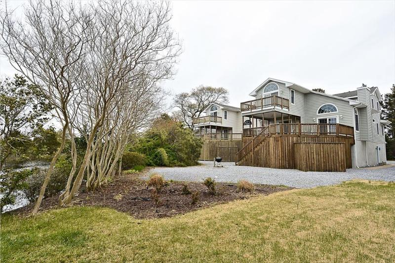 Comfortably furnished 5 bedroom beach home with ocean views - Image 1 - Bethany Beach - rentals