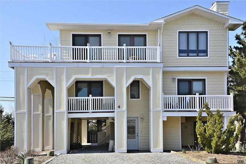 Luxury ocean block home with wraparound decks! - Image 1 - South Bethany Beach - rentals