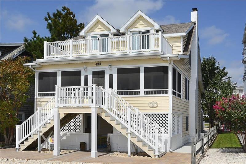 Nice and spacious 6 bedroom, 5 bath air conditioned home with separate sitting areas - Image 1 - Bethany Beach - rentals
