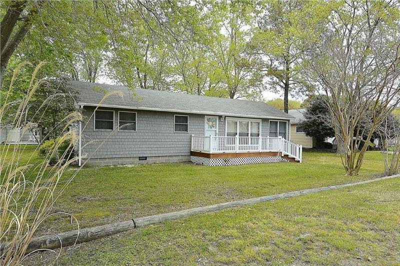 Fully furnished 4 bedroom, 2 bath home with enclosed porch. - Image 1 - Bethany Beach - rentals