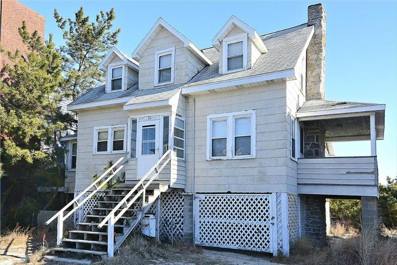 Oceanfront, 3-bedroom, 1.5 bath home, large enclosed porch facing ocean. - Image 1 - Bethany Beach - rentals