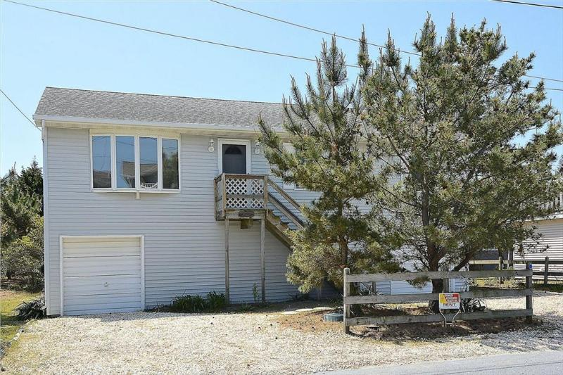 3rd house from the beach. 3 bed, 2 bath home with porch. - Image 1 - South Bethany Beach - rentals