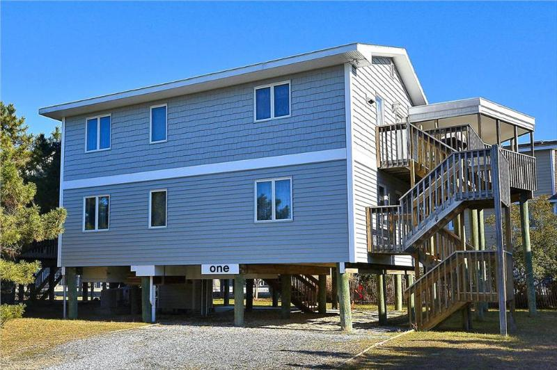 Nicely decorated 4 bedroom home. Close to the beach! - Image 1 - South Bethany Beach - rentals