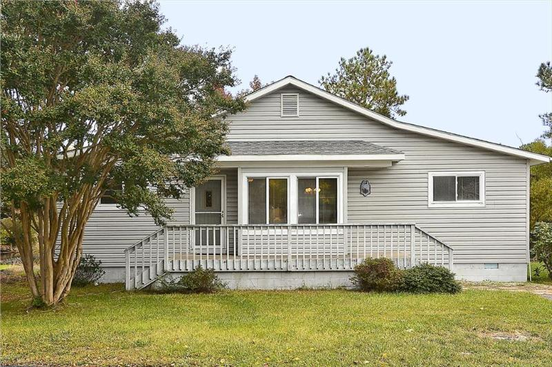 Scenic and peaceful waterfront home with pool and tennis courts. - Image 1 - Bethany Beach - rentals
