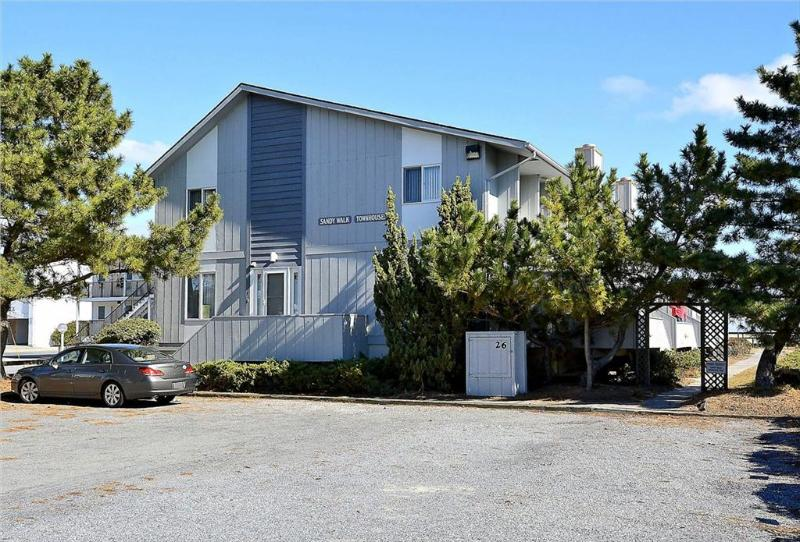 Air conditioned, 4-bedroom, 2.5 bath townhouse - Image 1 - Bethany Beach - rentals