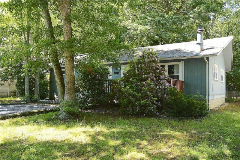 Lovely 3 bedroom home on a secluded, wooded lot. - Image 1 - Bethany Beach - rentals
