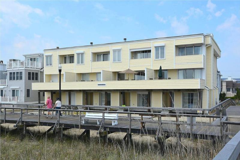 Large oceanfront 4 bedroom home. - Image 1 - Bethany Beach - rentals
