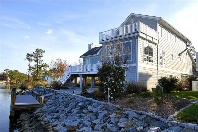 Comfortable custom built 3 level contemporary home with unparalleled views overlooking The Salt Pond. - Image 1 - Bethany Beach - rentals