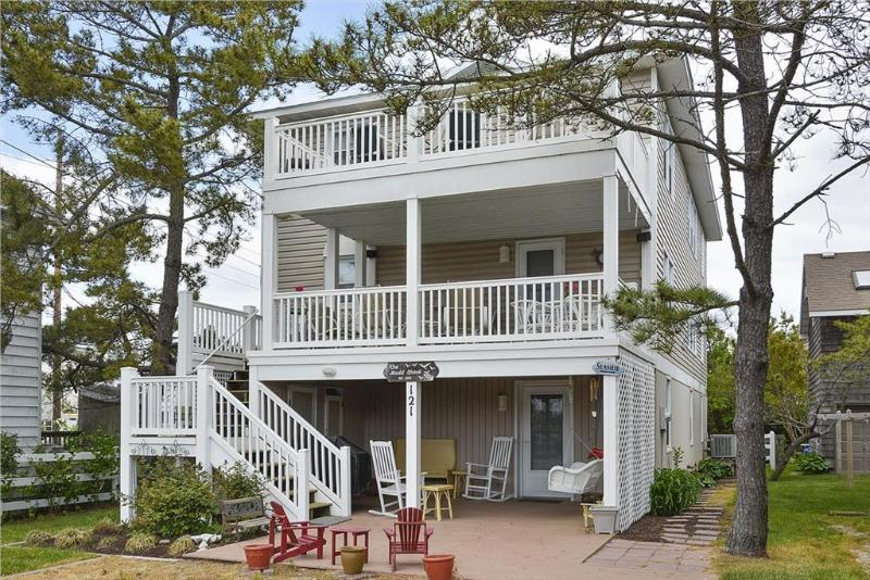 Comfortable and close to everything. 5 bedrooms, 1/2 a block to the beach. - Image 1 - Bethany Beach - rentals