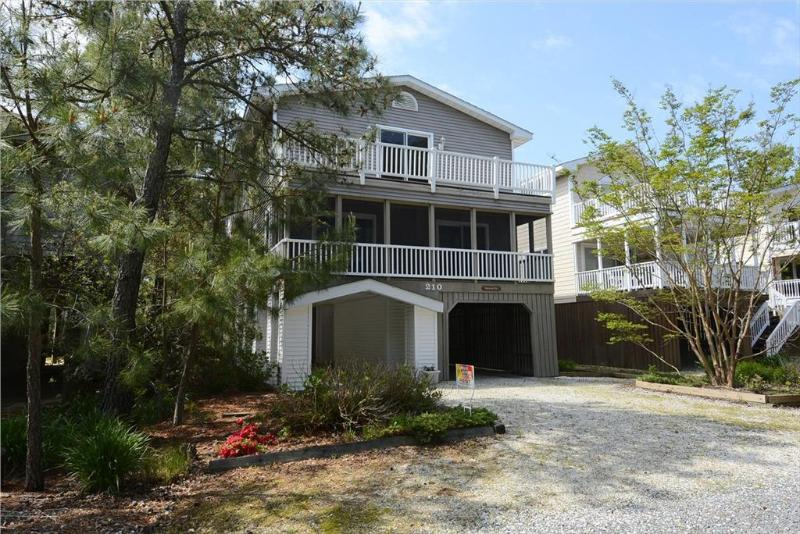 Large 7 bedroom home. Close to the beach! - Image 1 - Bethany Beach - rentals