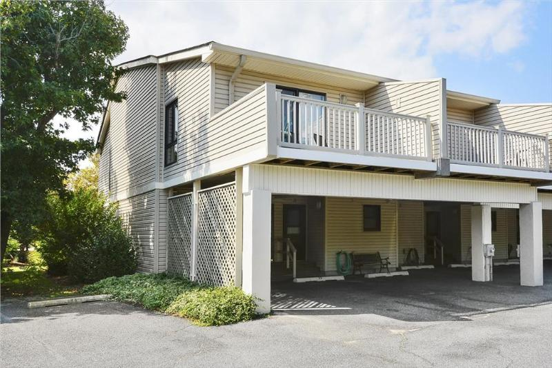 Newly upgraded 2 bedroom townhouse. Only 1 block to the beach! - Image 1 - Bethany Beach - rentals