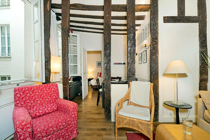 St. Paul Refined Parisian 1 Bedroom - Image 1 - Paris - rentals
