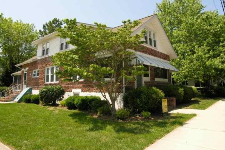 707B Bayard Ave - 2 Blocks to the Beach Second Floor Apartment Sleeping 8 - Rehoboth Beach - rentals