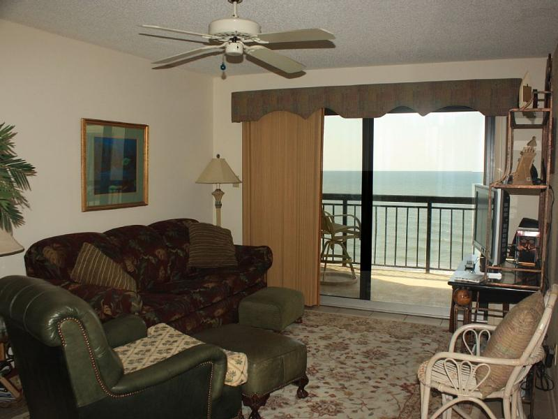 Spacious living room with ocean views - Beautiful Ocean Front Penthouse -Winter available! - North Myrtle Beach - rentals