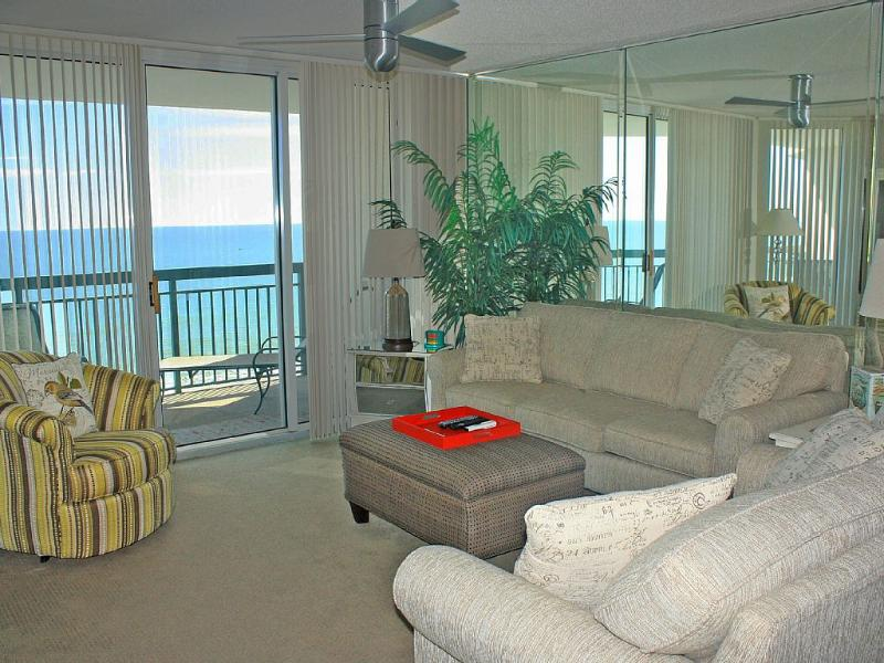 Ocean Front condo with amazing beach views - This Stunning Oceanfront 3BR/3BA in North Shore - North Myrtle Beach - rentals