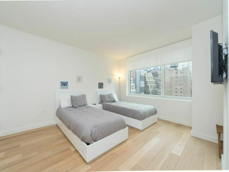 Sophisticated Amenities - Spacious 2 Bedroom Apartment in New York - Image 1 - New York City - rentals