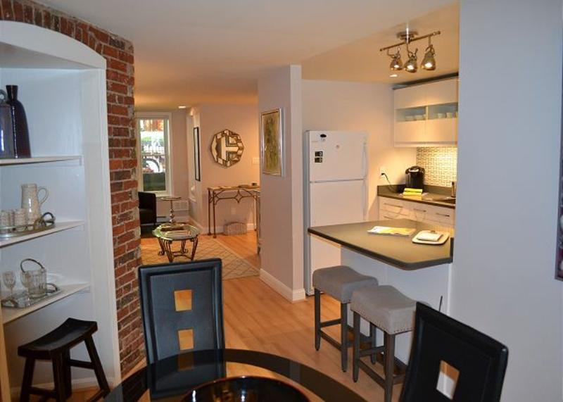 Lovely Urban 1 Bedroom, 1 Bathroom Apartment - Newly Refurnished - Image 1 - Washington DC - rentals