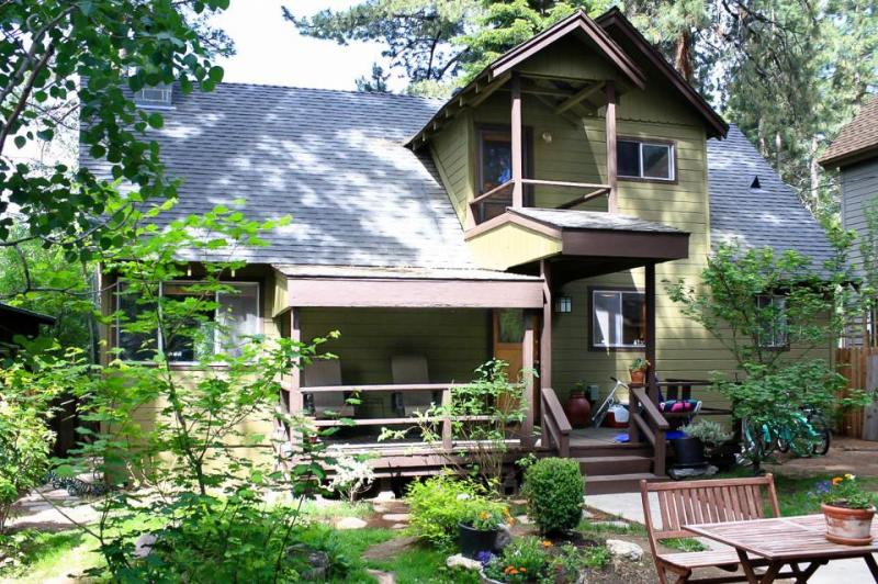 Historic Kings Beach home with a hot tub, one block to the lake - dogs OK! - Image 1 - Kings Beach - rentals