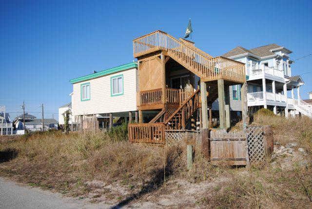 Front of House - EFishNC - Surf City - rentals