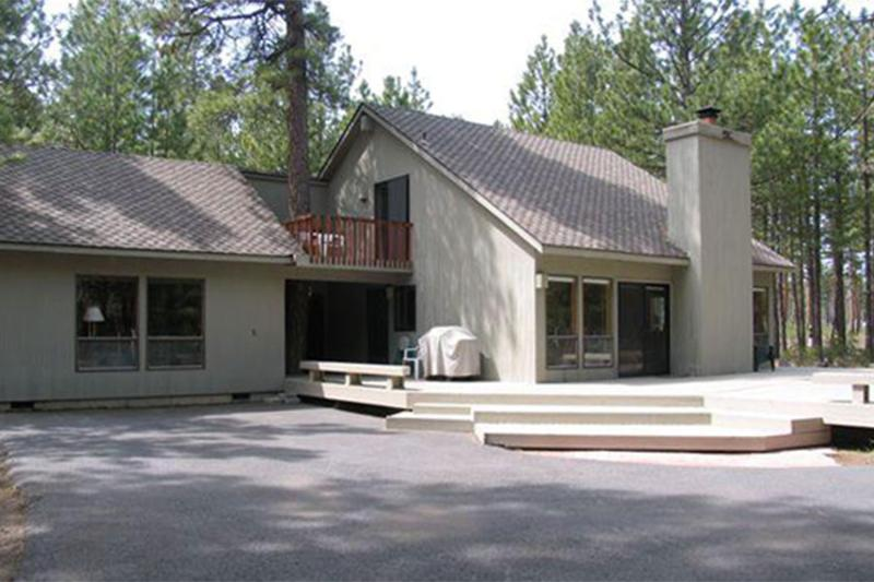 Front of Home - Golf Home 104 - Black Butte Ranch - rentals