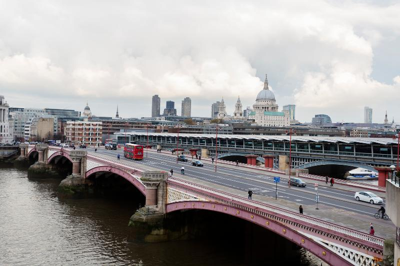 City one-bed, on the River Thames, Blackfriars - Image 1 - London - rentals