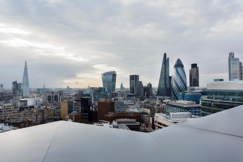 2 bed, 2 bath sleek City view apartment, Aldgate - Image 1 - London - rentals