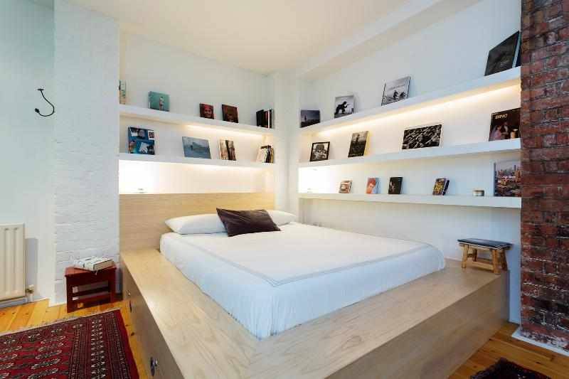 Stylish open plan apartment on Redchurch Street, Shoreditch - Image 1 - London - rentals