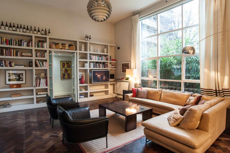 Spacious one-bed, Gloucester Road, South Kensington - Image 1 - London - rentals