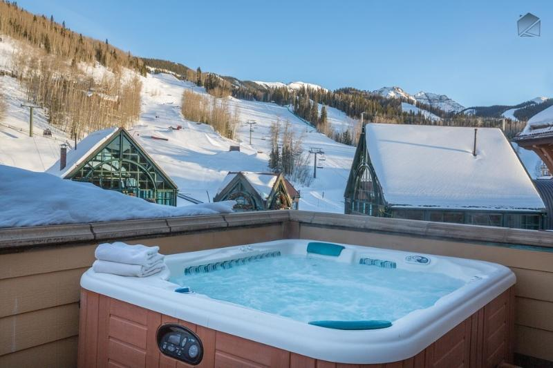 Have a good long soak any time of the day or night in the eight-person hot tub. - Penthouse condo right in the core with views of the slopes - Heritage Crossing Penthouse - Mountain Village - rentals