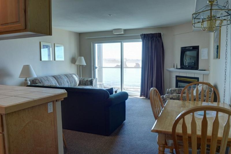 Waters Edge 212 ~ RA5894 - Image 1 - Lincoln City - rentals