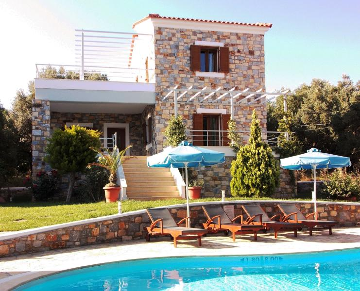 Fairy Outdoor, Garden and swimming Pool with Sunbeds and Umbrellas - Sellados Beach Villas ( Luxurious suites) - Plomari - rentals