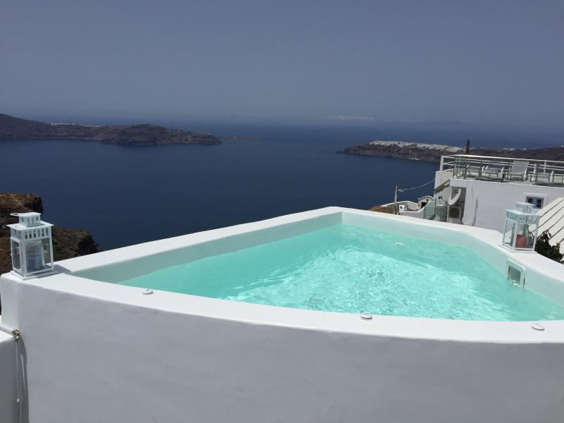 Outdoor Jaccuzi - Blue Villas|Tatienne| Jacuzzi with Caldera View - Imerovigli - rentals