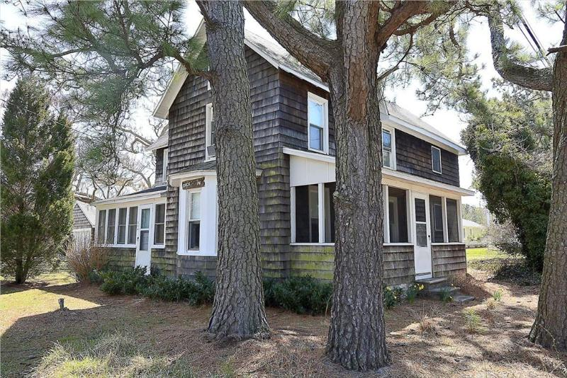 Air conditioned Bethany Beach home with screened porch - Image 1 - Bethany Beach - rentals