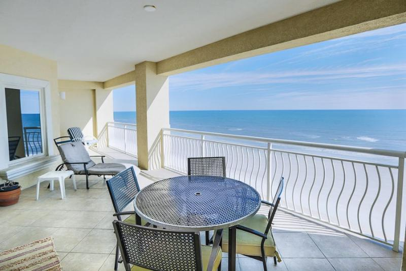 Avail ,Luxurious Oceanfront Living Sleeps 6 - Image 1 - Jacksonville Beach - rentals