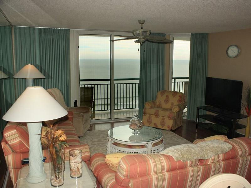 Living room with large flat screen TV - Magnificent 4 BR/3 BA Oceanfront/Pools! - North Myrtle Beach - rentals