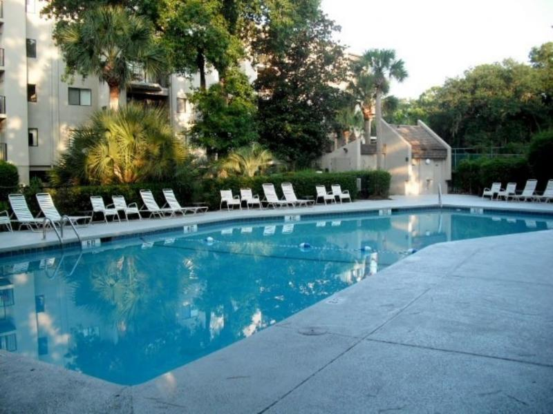 Pool - 123 Forest Beach Villas - Hilton Head - rentals