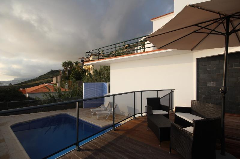 Villa Caniço with sea view & swimming pool - Image 1 - Canico - rentals